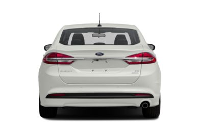 Rear Profile  2017 Ford Fusion