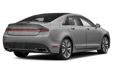 3/4 Rear Glamour  2017 Lincoln MKZ