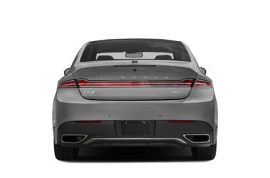 Rear Profile  2017 Lincoln MKZ