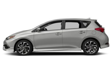 90 Degree Profile 2017 Toyota Corolla iM