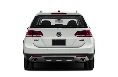 Rear Profile  2017 Volkswagen Golf Alltrack