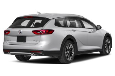 3/4 Rear Glamour  2018 Buick Regal TourX