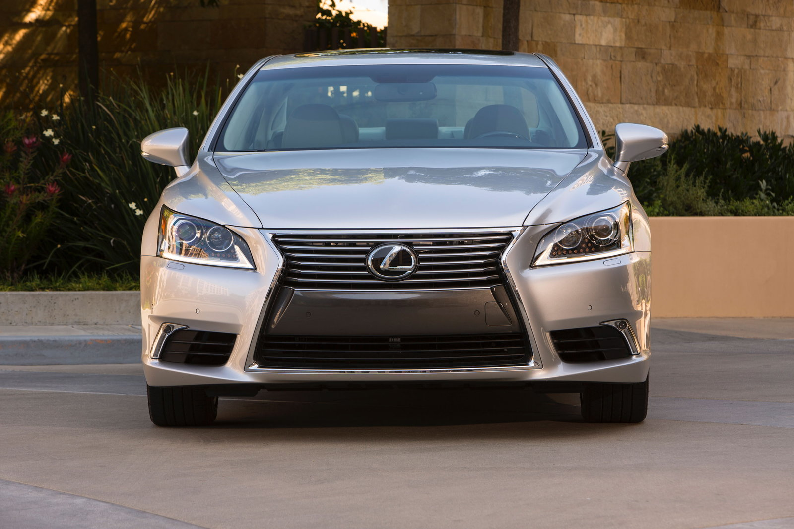 2016 lexus ls 460 review - carsdirect