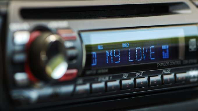 A Guide to the 6 Top Car Stereo Brands - CarsDirectCarsDirect