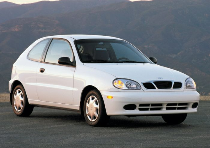 2002 Daewoo Lanos Specs, Safety Rating & MPG - CarsDirect