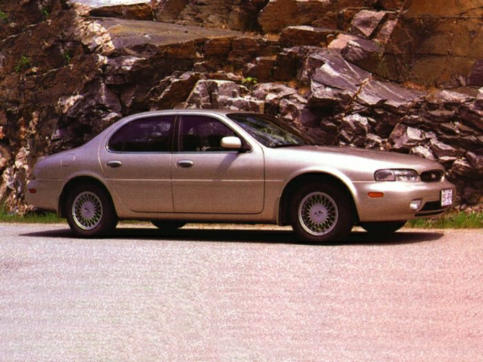 1993 INFINITI J30 Specs, Safety Rating & MPG - CarsDirect