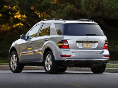 2010 Mercedes-Benz ML350 Specs, Safety Rating & MPG ...