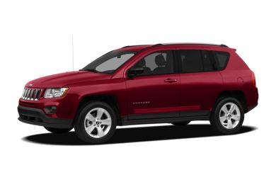 3/4 Front Glamour 2011 Jeep Compass