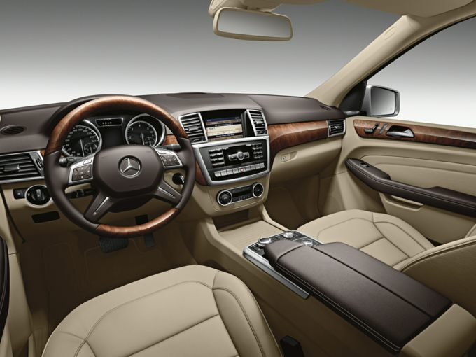 2015 Mercedes-Benz ML400 Styles & Features Highlights