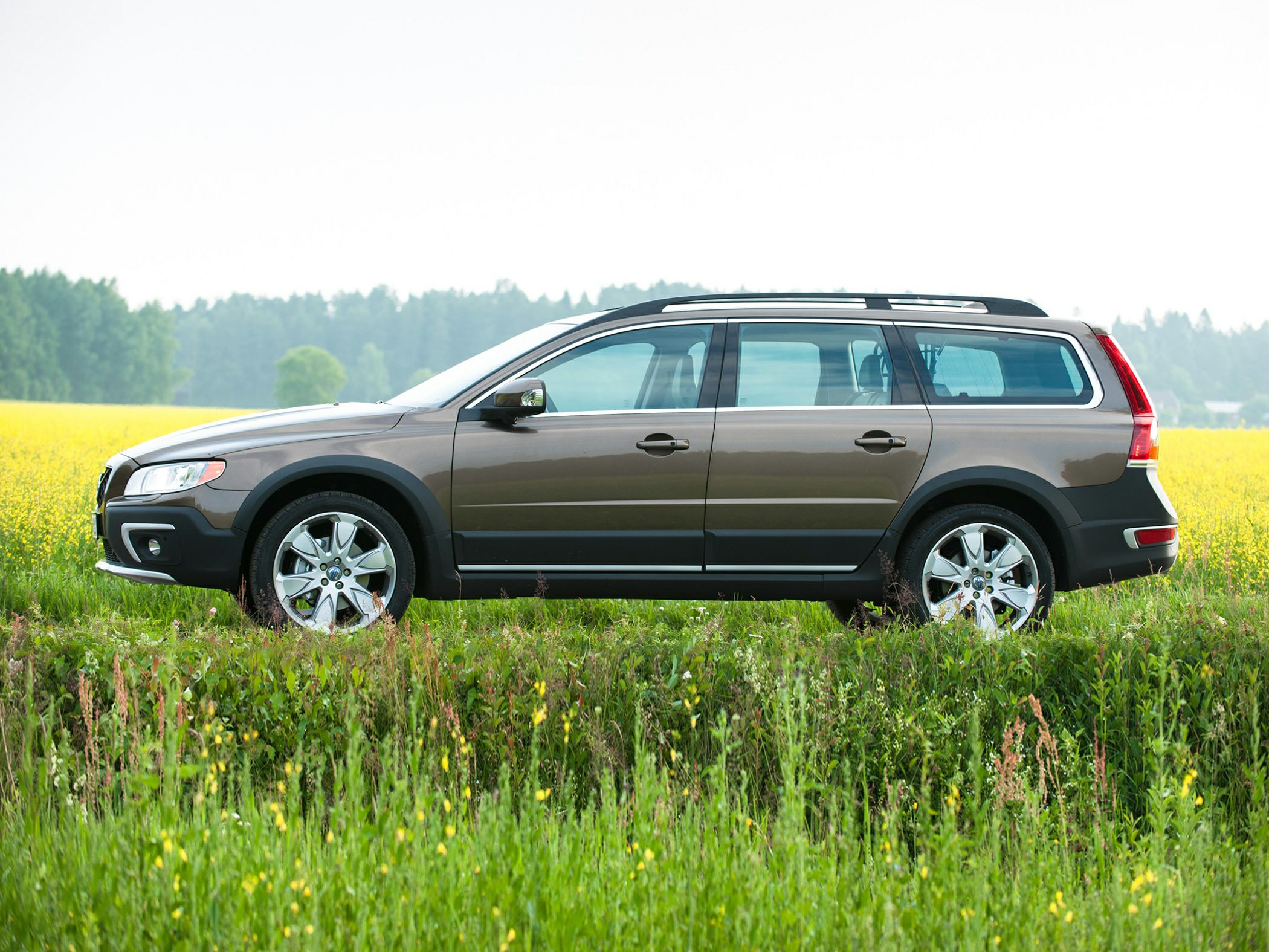 2016 volvo xc70 styles features highlights. Black Bedroom Furniture Sets. Home Design Ideas