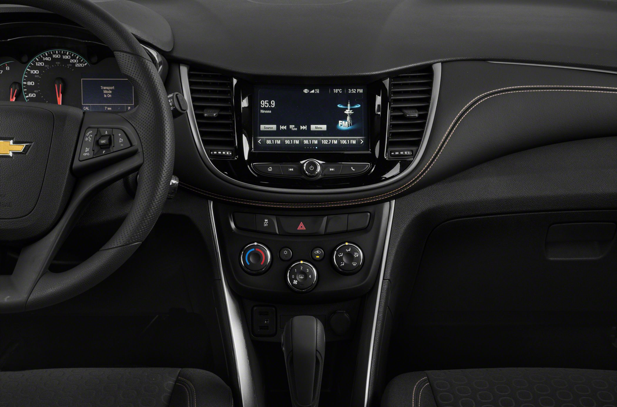 2018 Chevrolet Trax Pictures Amp Photos Carsdirect