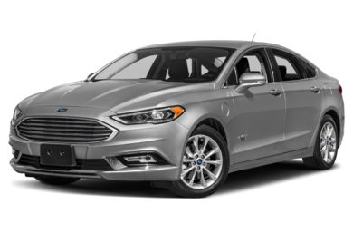 3/4 Front Glamour 2018 Ford Fusion Energi