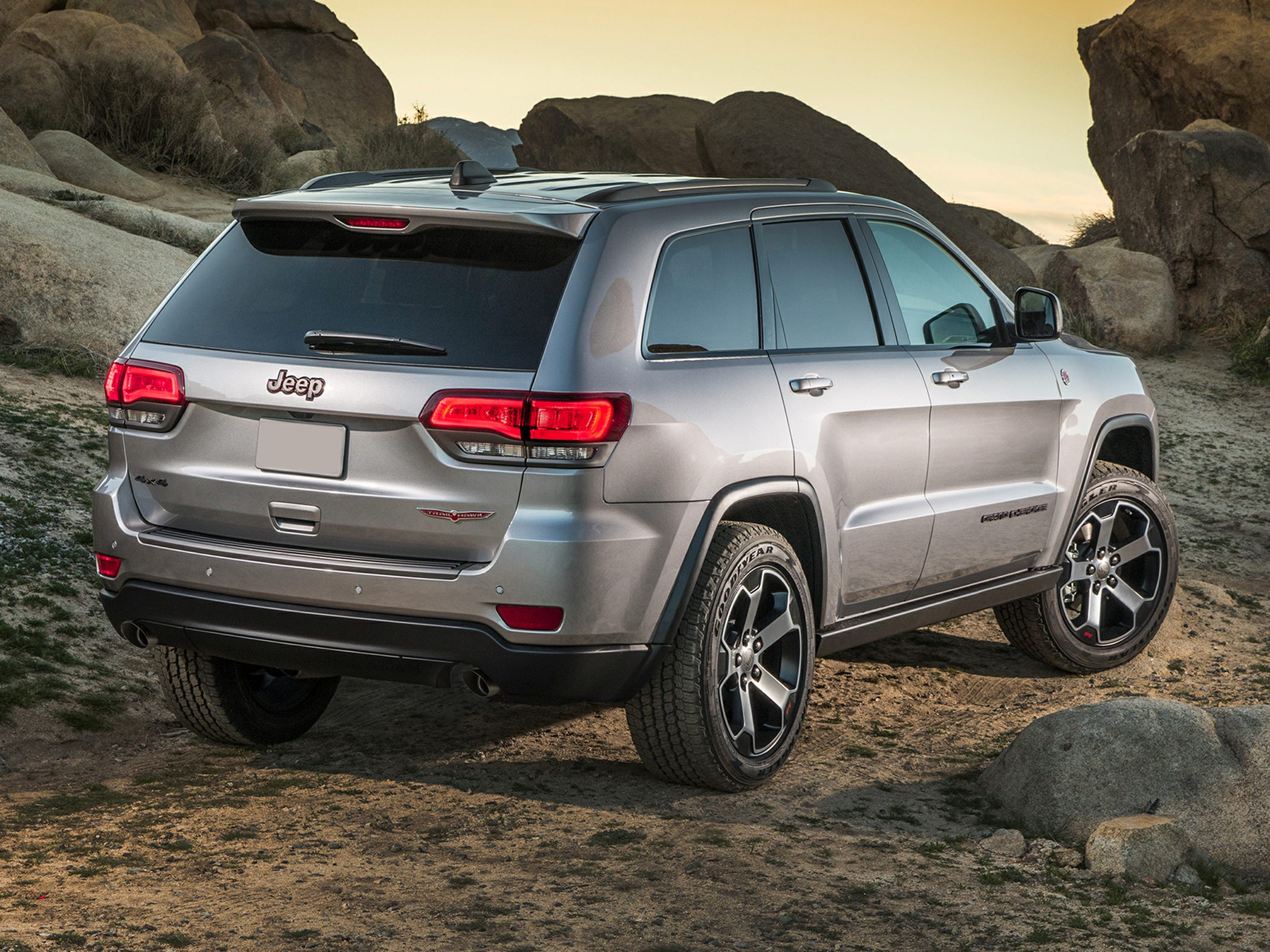 2018 jeep grand cherokee deals prices incentives. Black Bedroom Furniture Sets. Home Design Ideas