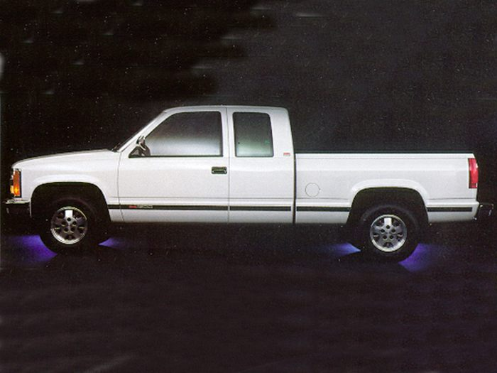 1995 GMC Sierra 2500 Specs, Safety Rating & MPG - CarsDirect
