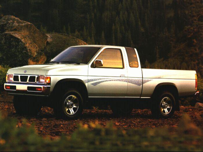 1995 Nissan 4x4 Truck Xe Standard Bed