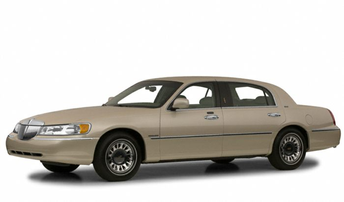 2001 Lincoln Town Car Specs Safety Rating Mpg Carsdirect