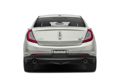 Rear Profile  2016 Lincoln MKS