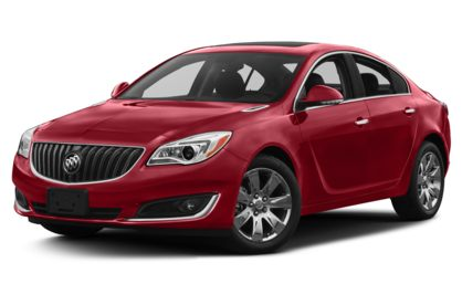 3/4 Front Glamour 2017 Buick Regal