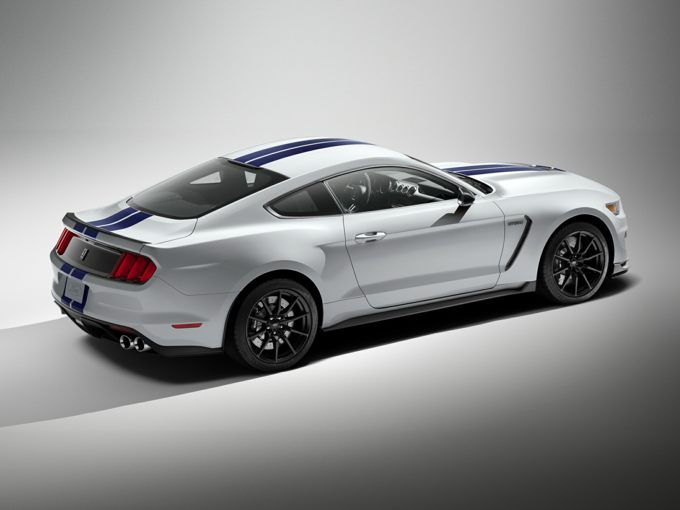 Ford Shelby GT 350 Rear