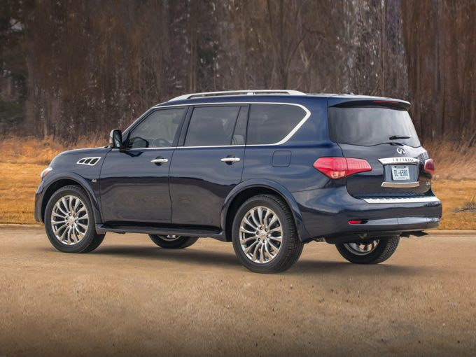 INFINITI QX80 Rear Quarter