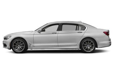 90 Degree Profile 2018 BMW 740