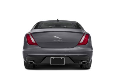 Rear Profile  2016 Jaguar XJ