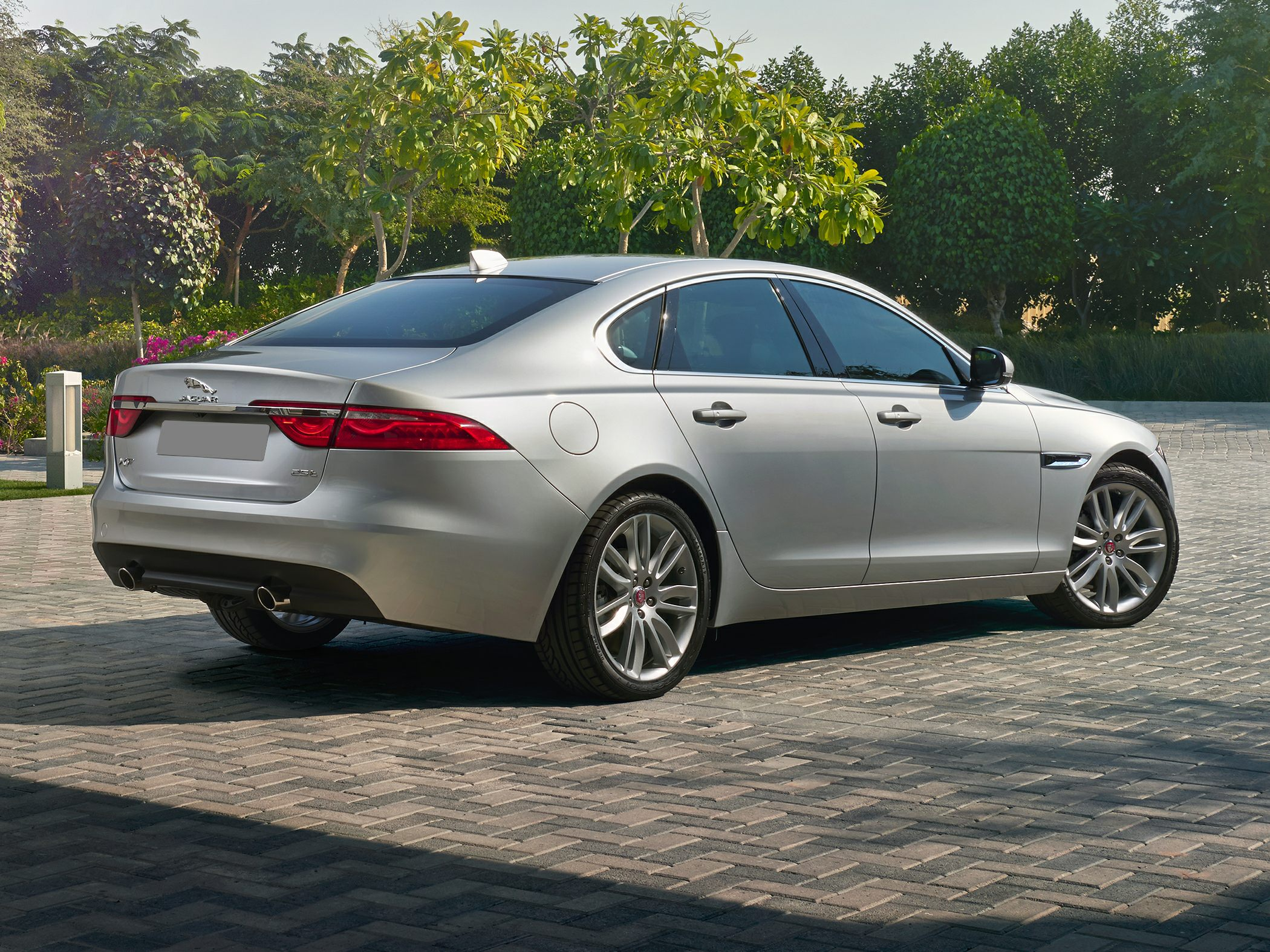 2017 jaguar xf deals prices incentives leases overview carsdirect. Black Bedroom Furniture Sets. Home Design Ideas