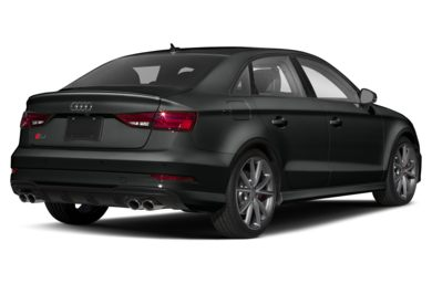 3/4 Rear Glamour  2019 Audi S3