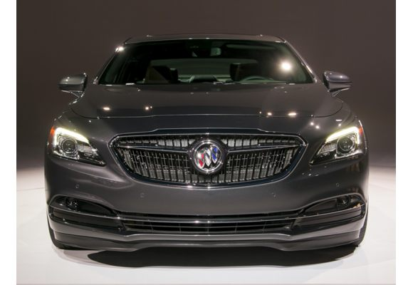 Buick Lease Deals >> 2018 Buick LaCrosse Pictures & Photos - CarsDirect