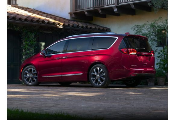 Ram Passenger Van >> 2019 Chrysler Pacifica Pictures & Photos - CarsDirect