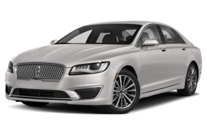 3/4 Front Glamour 2020 Lincoln MKZ Hybrid