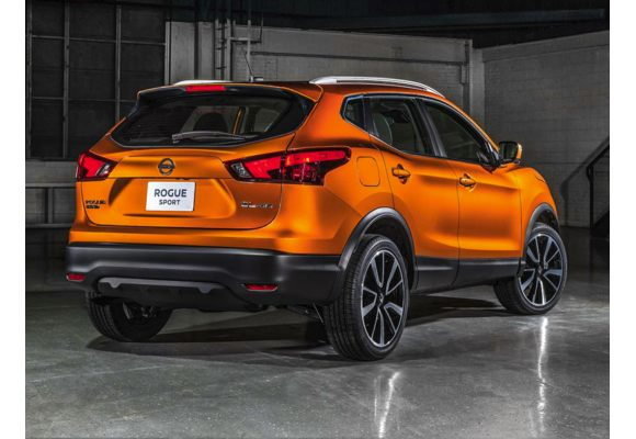 2018 nissan rogue sport pictures photos carsdirect. Black Bedroom Furniture Sets. Home Design Ideas