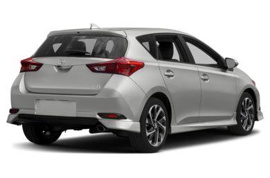 3 4 Rear Glamour 2017 Toyota Corolla Im