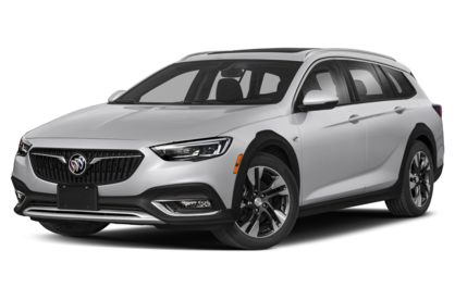 3/4 Front Glamour 2019 Buick Regal TourX