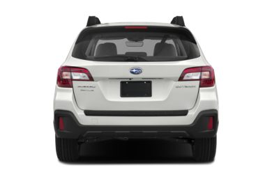 Rear Profile  2018 Subaru Outback