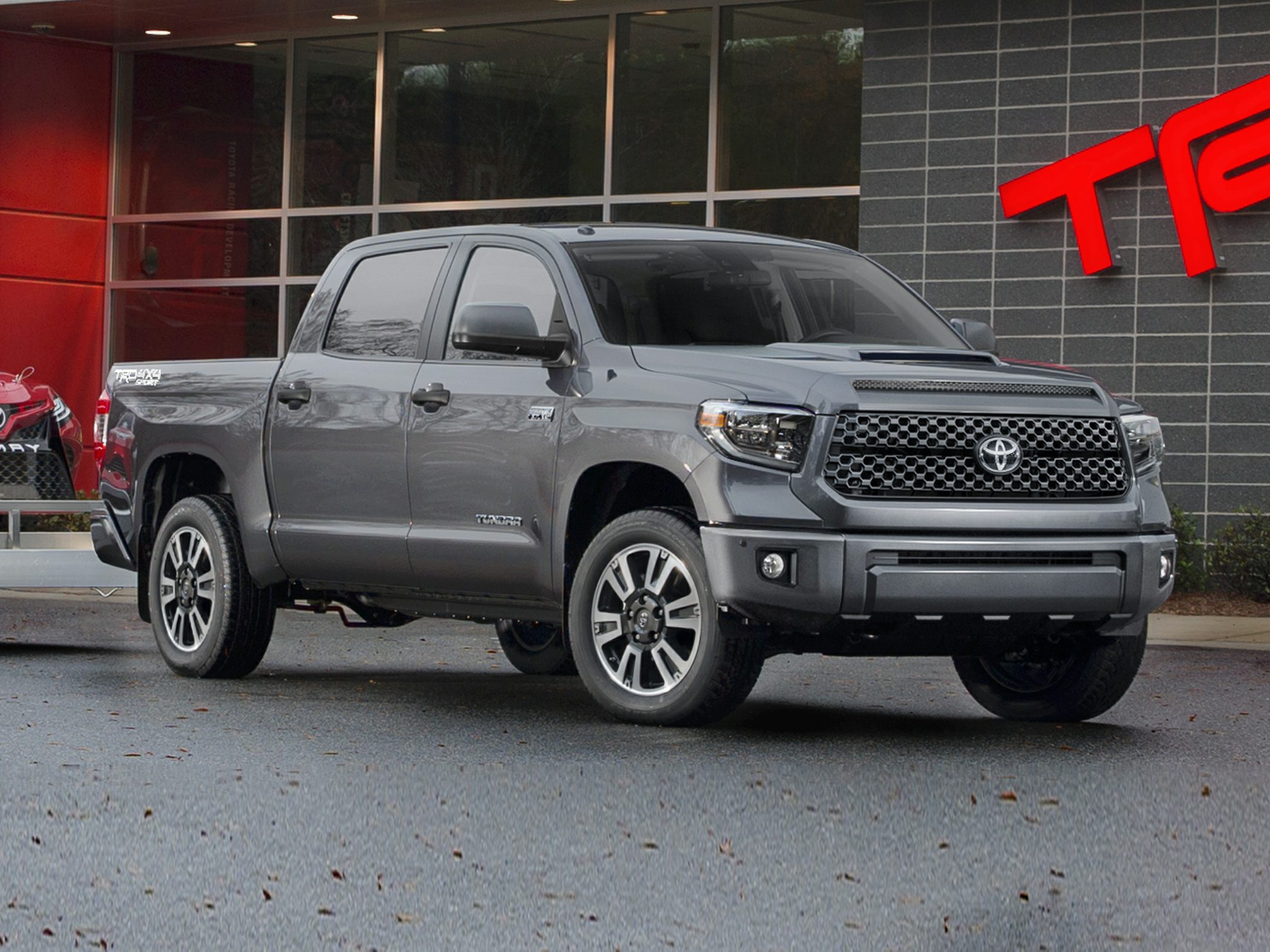 Tundra Short Bed >> 2018 Toyota Tundra Deals, Prices, Incentives & Leases, Overview - CarsDirect