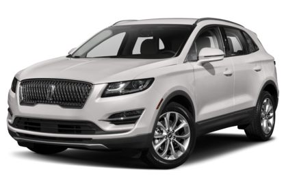 3/4 Front Glamour 2019 Lincoln MKC