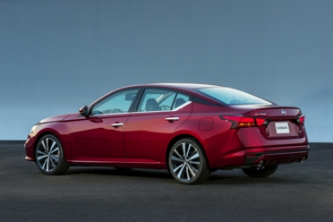 Nissan altima 2020 precio