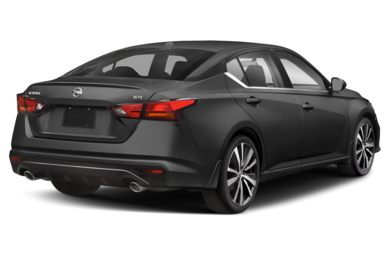 3/4 Rear Glamour  2020 Nissan Altima