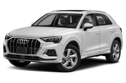 3/4 Front Glamour 2021 Audi Q3