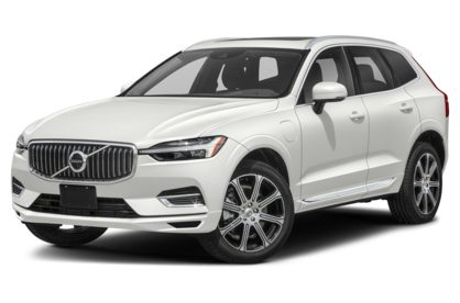 3/4 Front Glamour 2021 Volvo XC60
