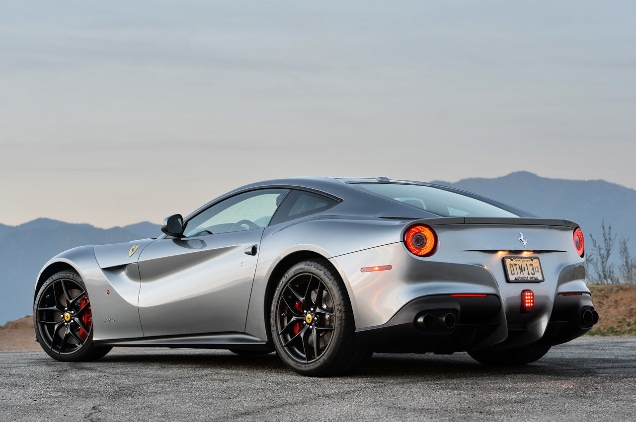 2014 ferrari f12berlinetta styles features highlights. Black Bedroom Furniture Sets. Home Design Ideas