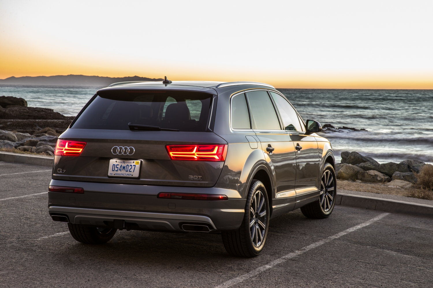 2018 audi q7 deals prices incentives leases overview carsdirect. Black Bedroom Furniture Sets. Home Design Ideas