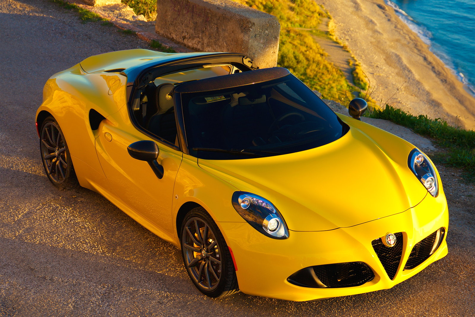 Alfa Romeo 4C Spider Yellow