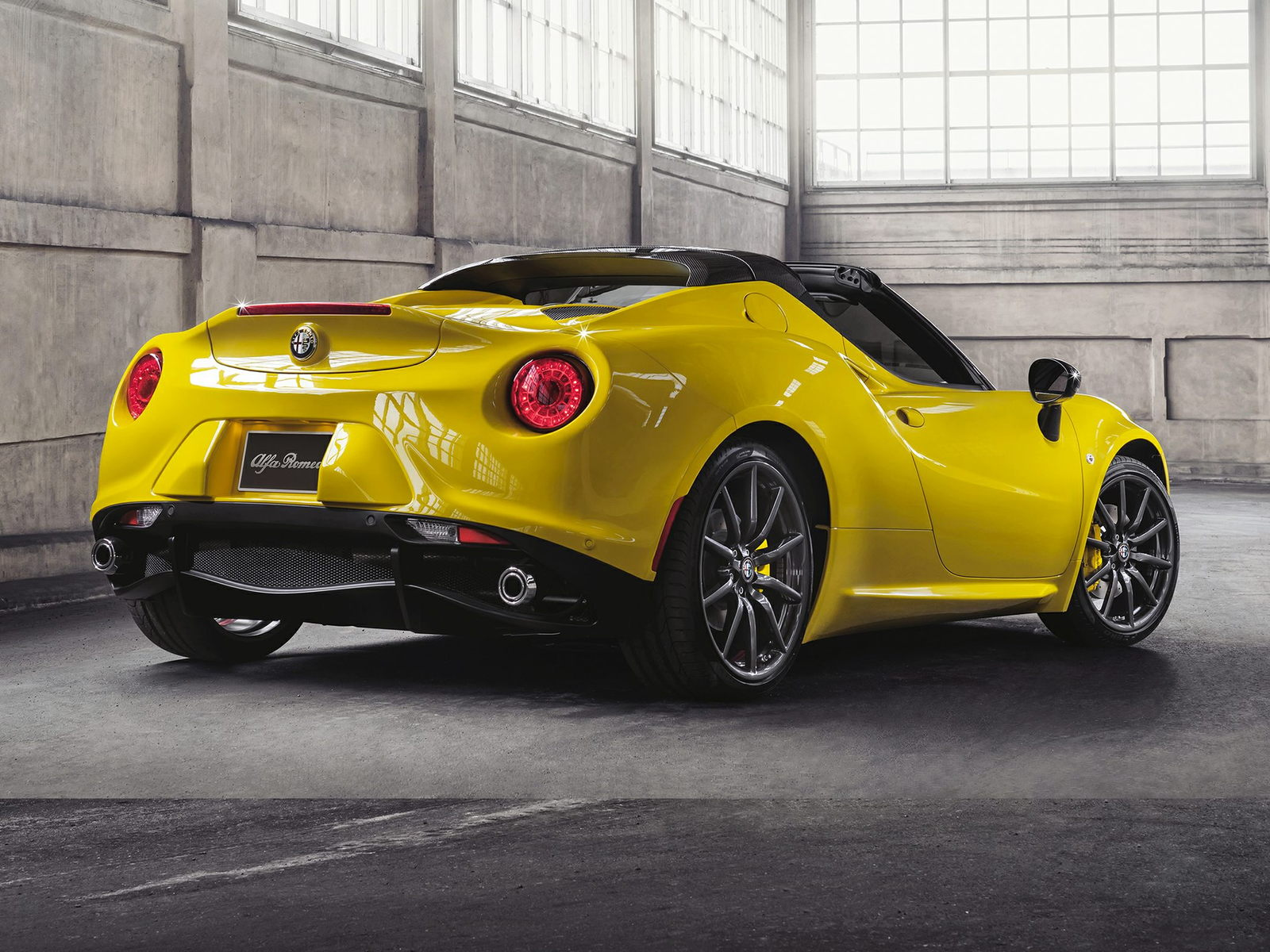 Alfa Romeo 4C Spider Rear Quarter