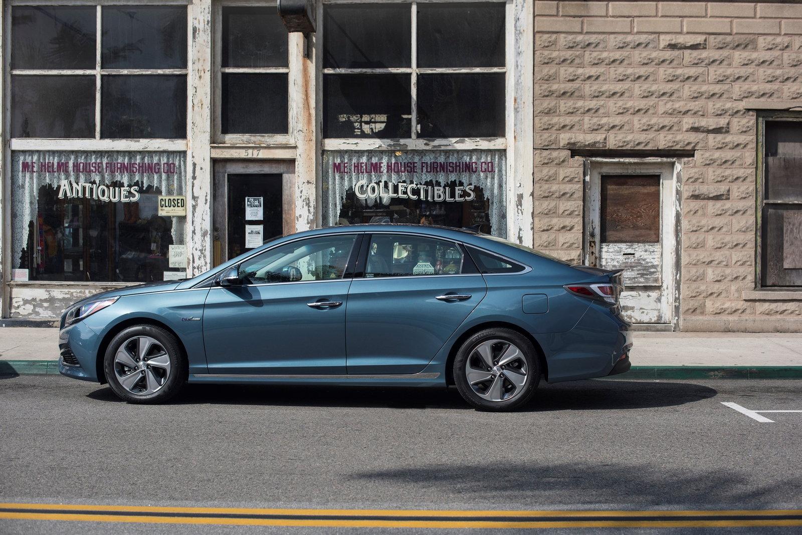 2018 Hyundai Sonata Plug-In Hybrid: Preview, Pricing ...