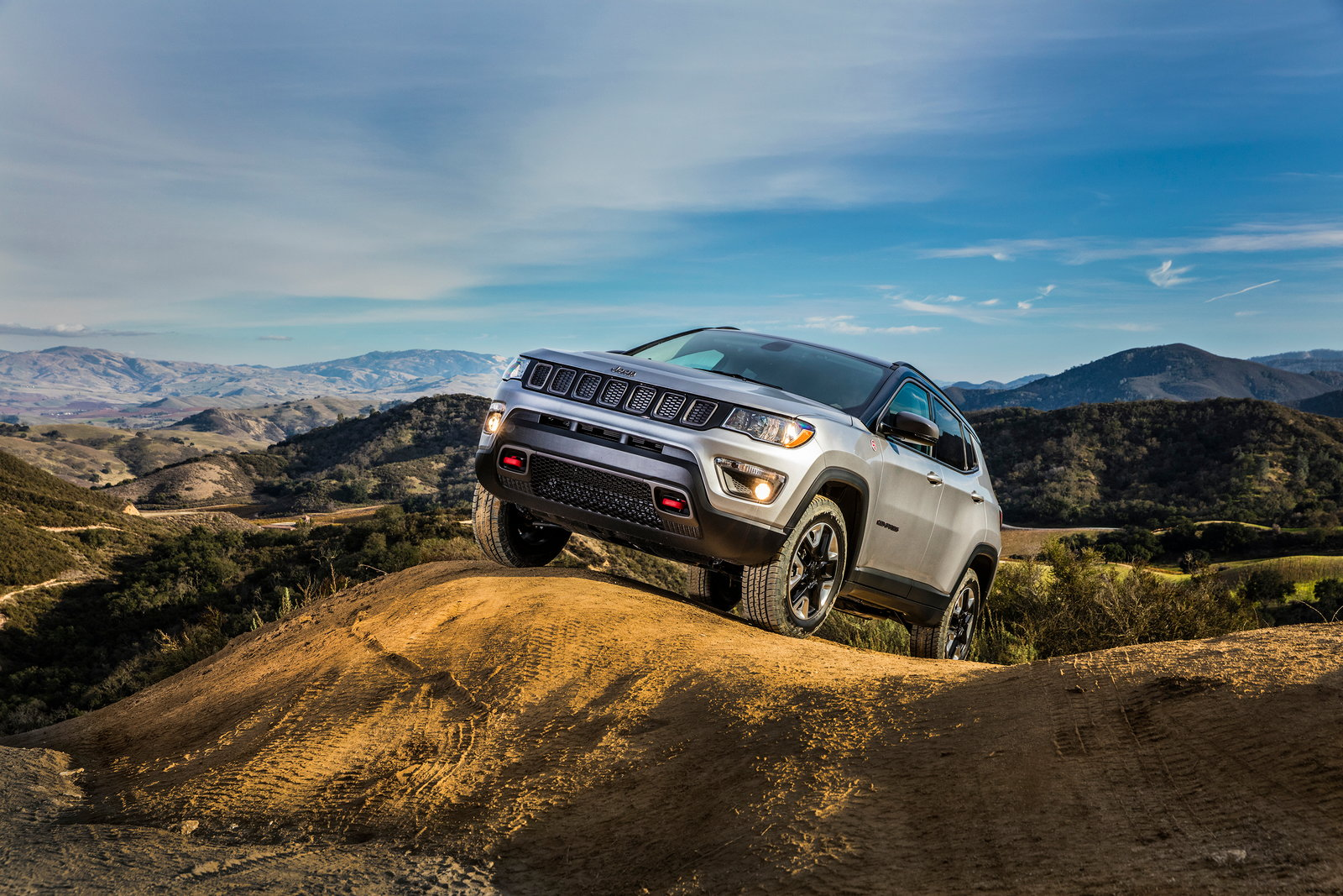 all new 2017 jeep compass earns iihs top safety pick rating carsdirect. Black Bedroom Furniture Sets. Home Design Ideas