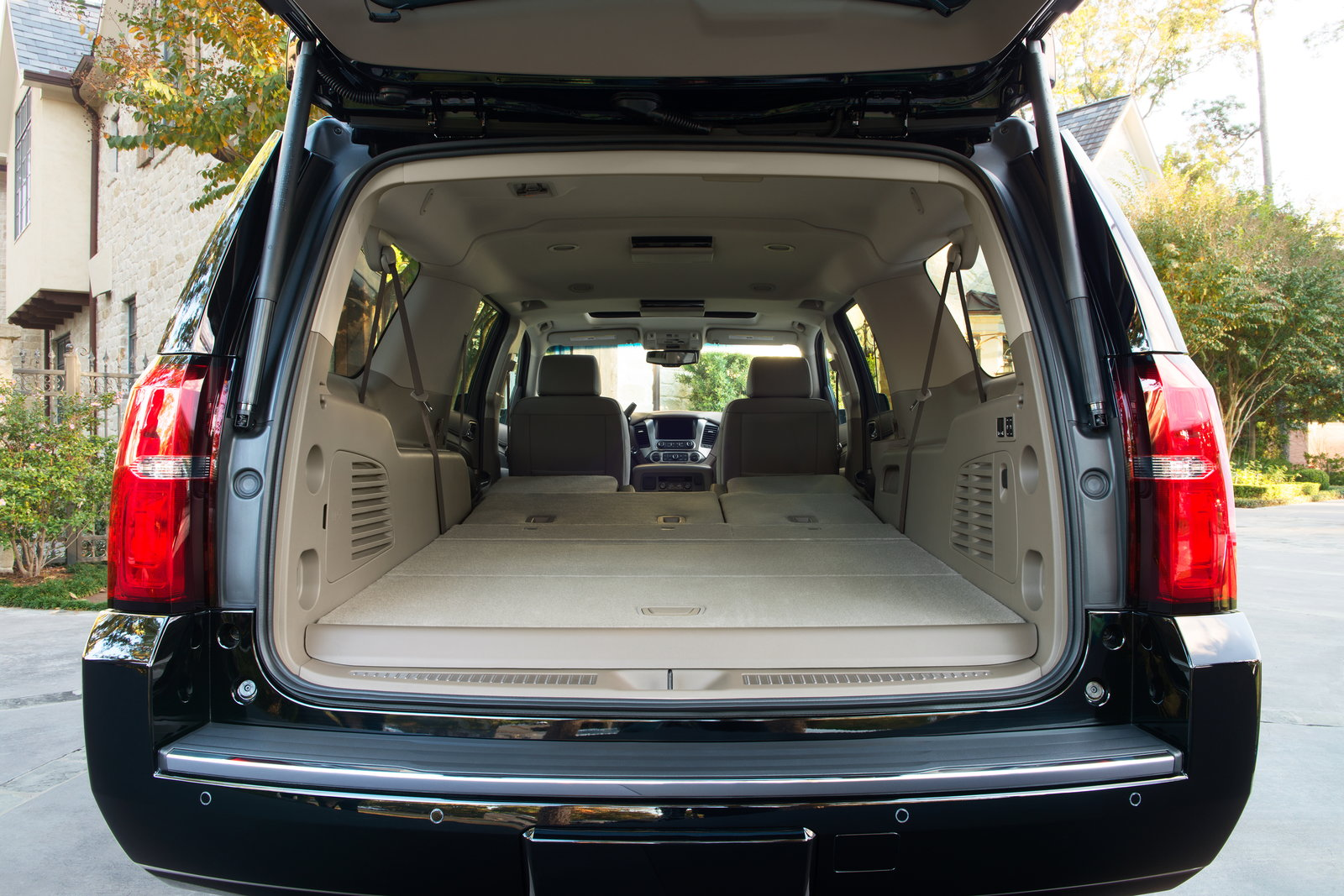 2019 chevrolet suburban deals prices incentives leases overview carsdirect. Black Bedroom Furniture Sets. Home Design Ideas