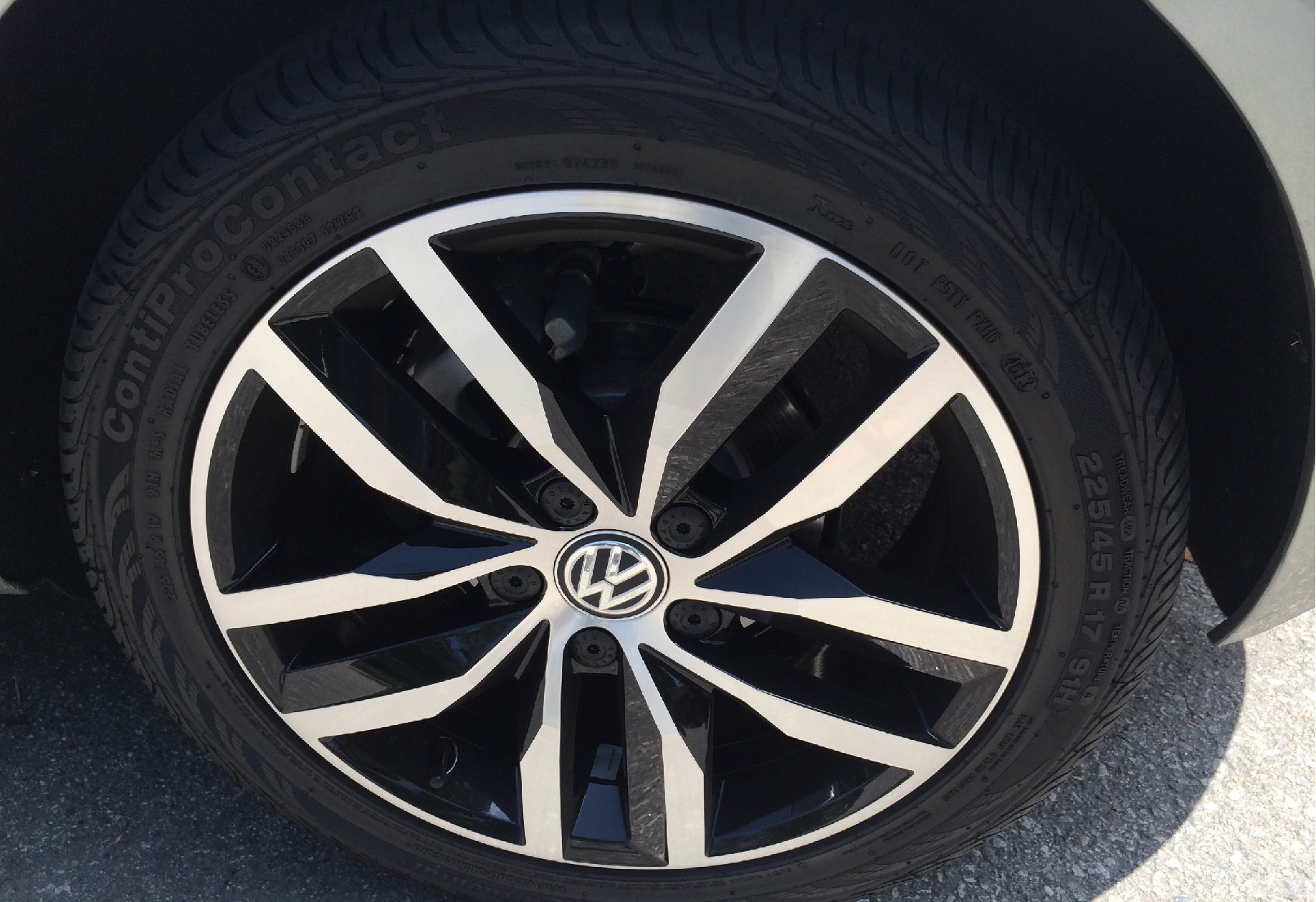 Volkswagen Golf TDI Wheel