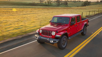 2020 Jeep Gladiator Gets 1 Mpg Less Than Wrangler Unlimited Carsdirect